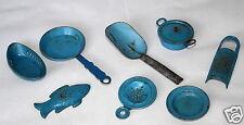Poupées tubes accessoires vaisselle en tôle râpe passoire salade de fruits pelle blechform fisc