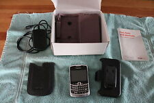 BLACKBERRY CURVE 8330 - SILVER -- VERIZON - SMARTPHONE - BOX - ACCESSORIES