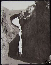 Glass Magic Lantern Slide THE AKABA MAIN PASS ADEN C1910 PHOTO YEMEN