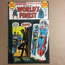 "WORLDS FINEST COMICS #216 (8.5) ""LITTLE TOWN WITH A BIG SECRET"" 1973"