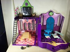 Monster High High School Playset-lots of accessories