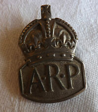 Military WWII Silver ARP Air Raid Precaution Home Front Badge Button Hole (2329)