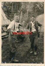 Foto, Wehrmacht, Soldaten aufgeregt über ihren Lkw Unfall (2511)