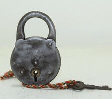 Antique YALE JUNIOR No. 455 YALE &TOWNE MFG Co. Iron Pad lock Made in USA