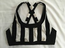 Lululemon Stuff Your Bra 10 Sports Black White Stripe Pockets Running Yoga