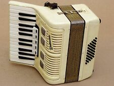 Very Nice German Accordion Weltmeister 40 bass Including Case