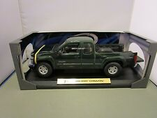 MAISTO 1/18 SPECIAL EDITION *VHTF GREEN* 2004 GMC CANYON 4X4 USED NICE *ISSUE*