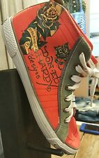 Ed Hardy PZ-7953 Dolores.... Yellow Rose With Red Heart Red Hightops Size 9