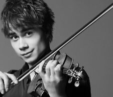 Alexander Rybak UNSIGNED photo - B1852 - Belarusian-Norwegian singer-composer