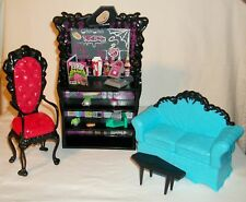MONSTER HIGH COFFIN BEAN PLAY SET COFFEE HOUSE HANGOUT W/ CLAWDEEN WOLF DOLL