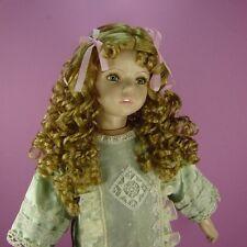 Perruque 35/36cm blond foncé de poupée porcelaine ancienne et moderne. Doll wig