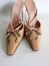 VALENTINO  LEATHER SHOES WITH ROSEBUD DESIGN