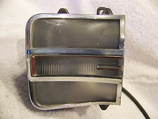 1970 CHRYSLER 300 PS FRONT TURN SIGNAL HOUSING & LENS