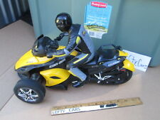 R/C BLACK&YELLOW CAN-AM MOTORCYCLE (27MHz)(#1931001A1) NO REMOTE! DIORAMAS