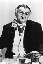 Al Lewis Grandpa The Munsters 11x17 Mini Poster Holding Bottle Of Love Potion