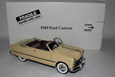 Danbury Mint 1949 Ford Custom Convertible 1:24 Scale Die Cast Metal Model Car