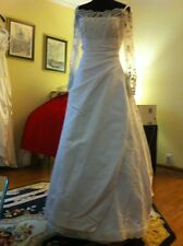 La Spoda Wedding Gown High End In White Lace, Satin Overlay In The Skirt