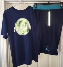 Mens Large New Nike Jordan Lot Of 1 Pair Of Basketball Shorts & 1 Tshirt.