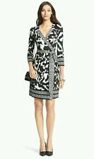 *NEW*Diane Von Furstenberg DVF tllullah silk wrap dress, snake wave size UK 8/10