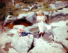 Marilyn Monroe UNSIGNED photo - C1135 - River of No Return