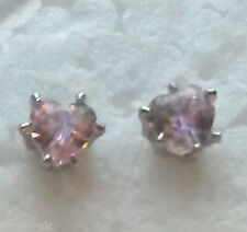 T36. 18k WHITE GOLD filled earrings tiny 4mm pink sapphire hearts BOXED Plum UK