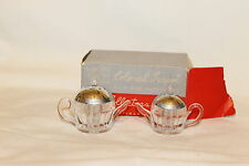 """VINTAGE COLONIAL TEAPOT SALT AND PEPPER SHAKERS PLASTIC IN BOX 2 3/4"""" X 1 7/8"""" X"""