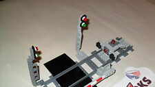 Lego Custom Train Scenes 1 - Light Bluish Gray Signal with Green Red Lights READ