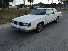 Oldsmobile : Cutlass 2dr Coupe Br