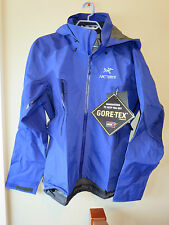 Mens New Arcteryx Beta LT Hybrid Jacket Size Small Color Sodalite
