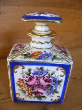 Superbe Flacon signé en porcelaine de Sèvres. N°2