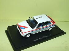 CITROEN VISA II CHRONO 1982 UNIVERSAL HOBBIES sur socle 1:43