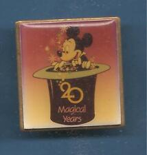 Pin's pin MICKEY 20 MAGICAL YEARS 30 mm x 30 mm (ref 057)