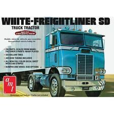 AMT White Freightliner Single Drive Tractor 1/25 truck model kit new 1004 *
