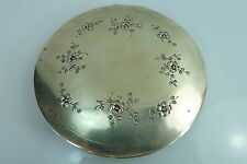 AN OLD ROUND SOLID 73.7 gr. SILVER HINGED LID FLAT BOX IN GOOD CONDITION