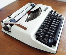 Vintage Imperial 'Sahara' Typewriter In Good Working Order w/ Manual Cream/Black