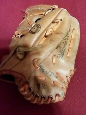 SEARS Vintage Baseball Mitt 1672 Tunnel Trap Youth Size.