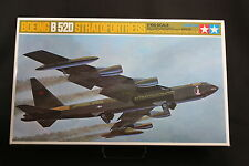 XE010 TAMIYA 1/100 maquette avion 60025 2400 25 Boeing B52D stratofortress