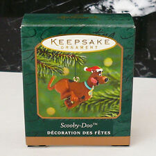 Hallmark Scooby-Doo 2001 Miniature Mini Ornament Scooby Doo Dog in Santa Hat