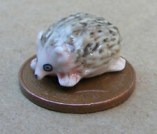1.12 échelle céramique hérisson maison de poupées miniatures jardin accessoire animal un