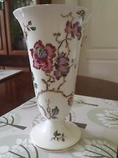 Wedgewood Pottery Bone China Vase - Swallow Design