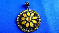 ancien medaillon pendentif vintage fantaisie soleil tournesol strass annees 70