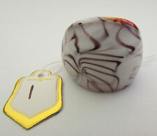 A WHTE PATTERNED LAMPWORK/MURANO STYLE GLASS RING. UK..Q. US..8     (1)