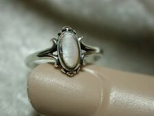 Vintage dainty sterling silver mother of pearl ring SZ 6.25 j100p25
