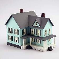 MODEL POWER/MRC GRANDMA'S NEW HOUSE BUILT-UP HO SCALE BUILDING LIGHTED