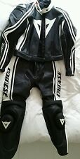 Dainese Ladies Two- Piece Motorbike Leathers size 46 WORN ONCE!