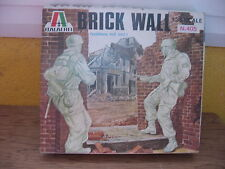 MAQUETTE 1/35 VINTAGE  ITALIERI BRICK WALLS  WWII MILITAIRE