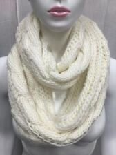 INFINITY STYLE SCARF KNITTED BULKY DESIGN305 WHITE