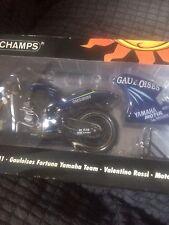 Valentino Rossi 1/12 gaulosis Yamaha M1 2004 Minichamps