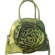 �� Green purse with large flower