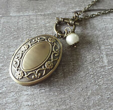 Elegant Imitation Pearl Oval Flower Brass Picture Locket Pendant Necklace